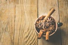 Ingrédients pour la pâtisserie de cuisson ou la fabrication de gâteau de biscuits de Noël automne d'hiver du potiron chaud de thé image libre de droits