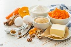 Ingrédients pour le gâteau à la carotte de cuisson Photos libres de droits