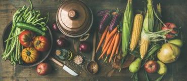Ingrédients sains d'automne pour la préparation de dîner de jour de thanksgiving image libre de droits