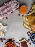 Ingr?dients de nourriture contenant l'astaxanthine, antioxydant, zinc Le concept d'une alimentation saine image stock