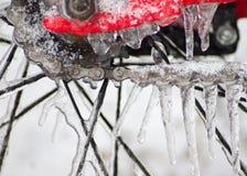 Ingranaggi congelati su una bicicletta fotografia stock libera da diritti