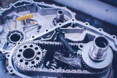 Ingranaggi da un cambio del motociclo fotografia stock