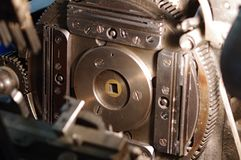 Ingranaggi della linotype al negozio del giornale fotografie stock libere da diritti