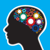 Ingranaggi nel concetto della testa e del cervello umano Fotografia Stock