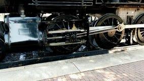 Ingranaggio di azionamento del treno a vapore come parti posteriori del treno fuori video d archivio
