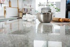 Ingrediënten op Marmeren Countertop in Commercieel royalty-vrije stock foto