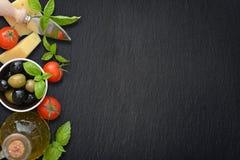 Ingrediënten van Italiaanse keuken Royalty-vrije Stock Foto's