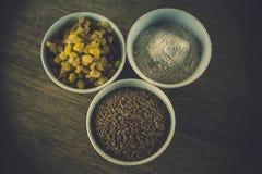 Ingrediënten voor artisanaal die brood zonder gist en bakpoeder wordt voorbereid Royalty-vrije Stock Fotografie