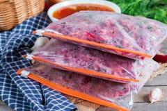 Ingrediënten voor borsjt freezing Soep het koken stock foto