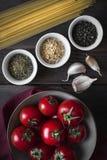 Ingrediënten voor Deegwarenschotel stock foto