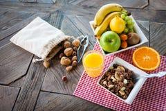 Ingrediënten voor een gezond ontbijt stock afbeeldingen