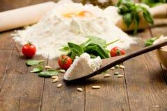 Ingrediënten voor Eigengemaakte Ravioli Stock Foto's