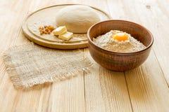 Ingrediënten voor het koken van deeg, zoet baksel Stock Foto's