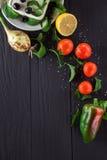 Ingrediënten voor het koken van Griekse salade Stock Fotografie
