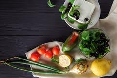 Ingrediënten voor het koken van Griekse salade Copyspace Stock Foto's