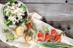 Ingrediënten voor het koken van Griekse salade Copyspace Royalty-vrije Stock Foto's