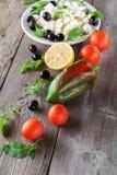 Ingrediënten voor het koken van Griekse salade Sluit omhoog Royalty-vrije Stock Afbeeldingen