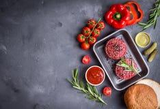 Ingrediënten voor het maken van hamburger Stock Foto's
