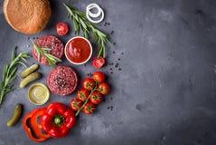 Ingrediënten voor het maken van hamburger Stock Afbeeldingen