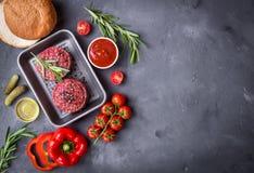 Ingrediënten voor het maken van hamburger Royalty-vrije Stock Afbeeldingen