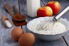 Ingrediënten voor pannekoeken Stock Foto's