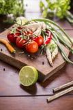 Ingrediënten voor Thais voedsel, citroengras, gember, knoflook, cocktail Stock Afbeeldingen