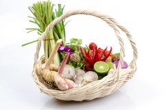 Ingrediens av thai kryddig soppa (tom yum det thai namnet). Arkivbilder