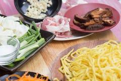 Ingrediens för att laga mat Yakisoba Arkivbild