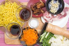 Ingrediens för att laga mat Yakisoba Royaltyfri Fotografi