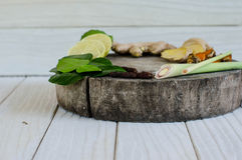 Ingredienser av thailändsk kryddig mat, tom yum Royaltyfri Bild