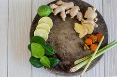 Ingredienser av thailändsk kryddig mat, tom yum Arkivbilder