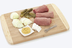 Ingredienser för att förbereda upp nötköttrouladen, slut Royaltyfria Foton