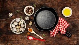 Ingredienser för att laga mat ägg Arkivfoto