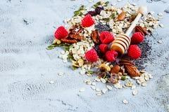 Ingredienser för att laga mat den sunda frukosten royaltyfri foto