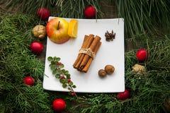 Ingredienser för att laga mat glintwine hemma Royaltyfria Bilder