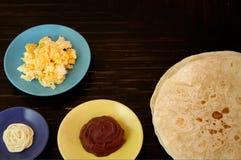 Ingredienser f?r Burrito eller baleada arkivfoton