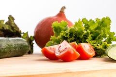 Ingredienser för en sund ny sallad Arkivbilder