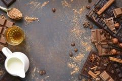 Ingredienser för framställning av chokladtryfflar Bästa sikt med utrymme fo Royaltyfria Foton