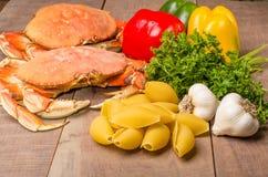 Ingredienser för krabbapasta Arkivbilder