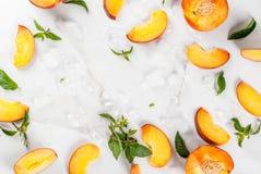 Ingredienser för kylt persikate Royaltyfri Fotografi