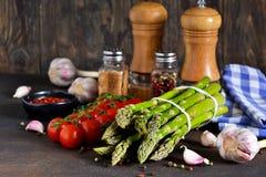 Ingredienser för matlagning åkerbruka produktgrönsaker för ny marknad arkivfoto