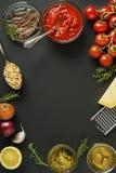 Ingredienser för matlagning royaltyfri bild