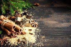 ingredienser för matlagning för anisejul kryddar kanelbruna stjärnasticks royaltyfria bilder