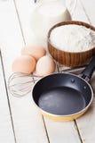 Ingredienser för pannkakor Arkivbild