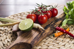 Ingredienser för thailändsk mat, lemongrass, ingefära, vitlök, coctail Fotografering för Bildbyråer
