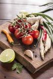 Ingredienser för thailändsk mat, lemongrass, ingefära, vitlök, coctail Arkivfoton