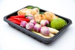 Ingredienser för Tomyum thailändska matsmaktillsats på vit bakgrund Royaltyfri Foto