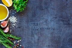 Ingredienser för vegetarisk matlagning fotografering för bildbyråer