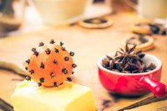 Ingredienser som är förberedda för julpepparkaka Arkivfoto