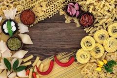 Ingredientes alimentarios de las pastas Imagen de archivo libre de regalías